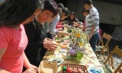 Великденска благотворителна работилница